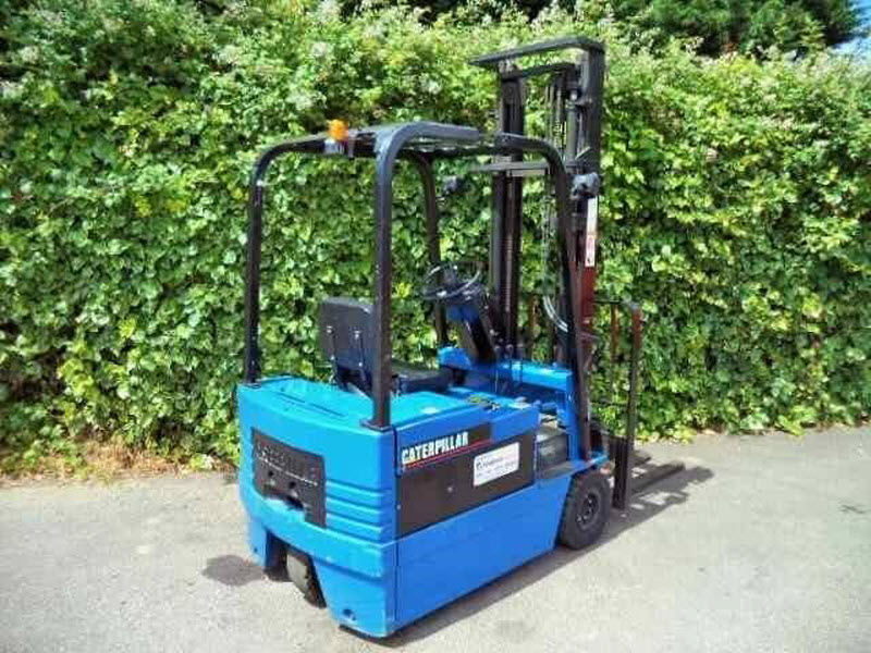 Caterpillar 1-5-ton electric used forklift