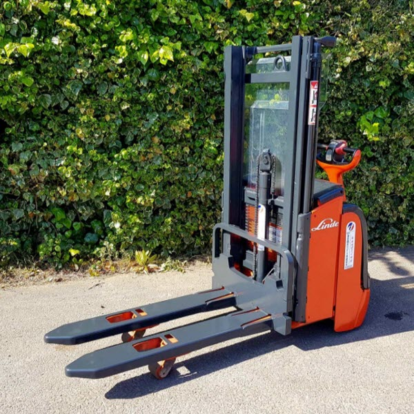 Linde-L14-Electric-Power-Pallet-Stacker