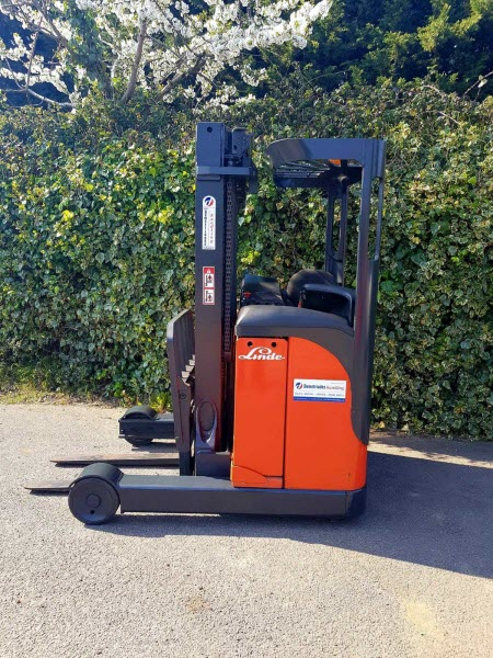 Linde-R16-Reach-Truck-used-forklift