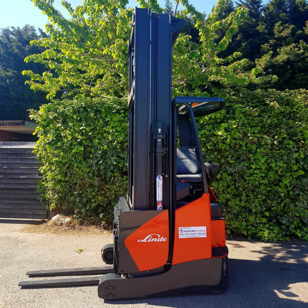 Linde-R16X-03-Electric-Reach-truck-used-forklifts-s