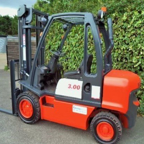 Nissan 3 ton-Diesel Counterbalance used Forklift Truck-s