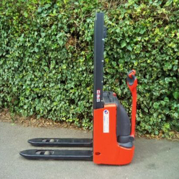 Linde-L10B-Electric-Power-Pedestrian-Pallet-Stacker-Forklift-s