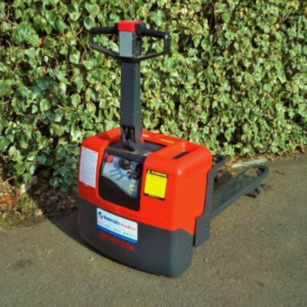 Toyota-PP13-electric-power-pallet-truck-s